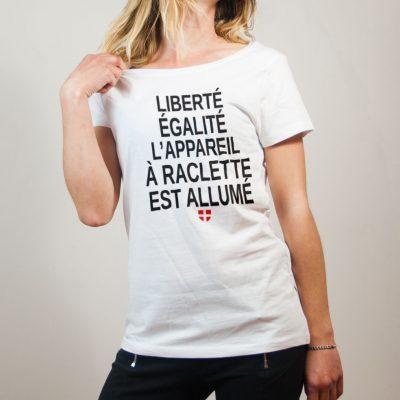 T-shirt Savoie : Liberté Égalité Appareil à Raclette Allumé femme blanc